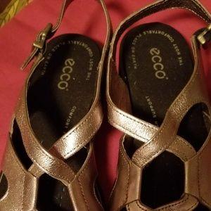 Euc echo sandals